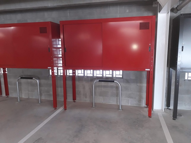 Red Over Bonnet Jaloc Storage Locker