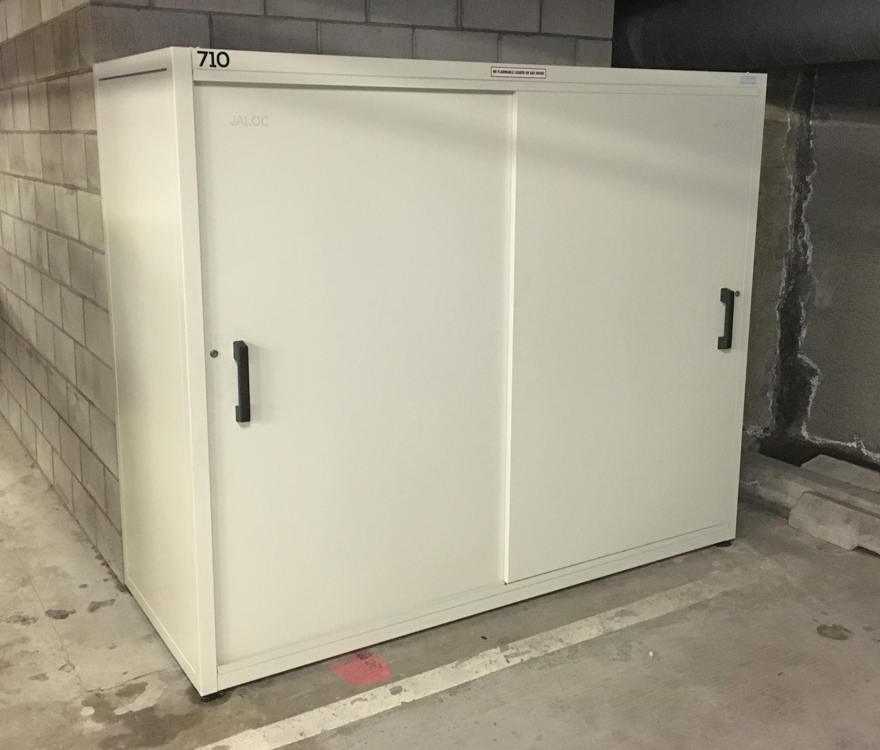 Jaloc Dual Upright Storage Locker Auckland CBD Hotel Apartment Carpark